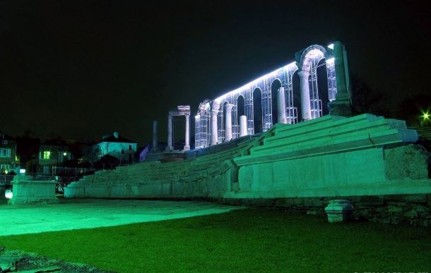 The forum of the Ancient Roman city of Augusta Trajana in Stara Zagora by night - after its restoration with funding from the EU. Photo by Stara Zagora Municipality