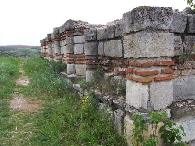 The ruins of a structure in the medieval Bulgarian city of Cherven. Photo by cherven.eu