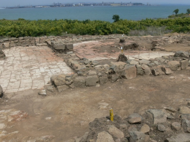 The excavations on the Cape of Foros, in the ancient and medieval port of Burgos (Poros) where the 6th century reliquary was discovered. Photo by e-burgas.com