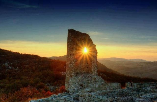 A view of the Perperikon Tower. Photo by Haskovo Tourist Information Center, haskovo-bulgaria.com