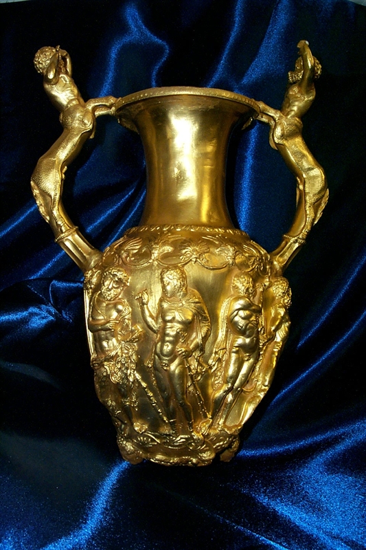This golden amphora-rhyton is from the Panagyurishte Gold Treasure, the most impressive of all Thracian treasures. It is dated to the end of the 4th and the beginning of the 3rd century BC, and is part of the collection of the Plovdiv Museum of Archaeology. Photo: Plovdiv Museum of Archaeology