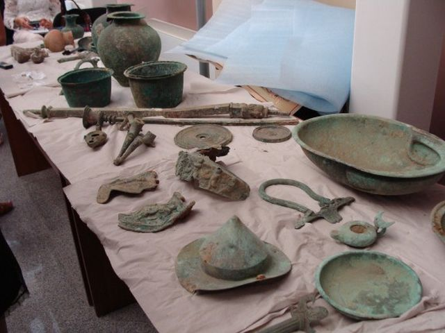 Artifacts discovered in the Ancient Thracian burial mound (tumulus) known as Pamuk Mogila by the team of archaeologist Kostadin Kisyov in 2013. Photo: Plovdiv24