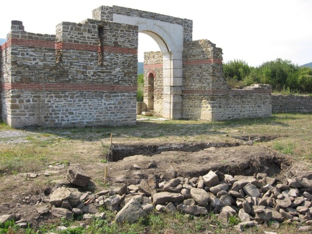Ruins of the Ancient Roman fortress Sostra which was located on the Via Trajana road named after Roman Emperor Trajan. Photo: Troyan21
