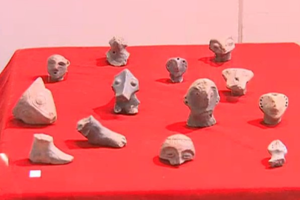 Ancient figurines found the hill of the Krakra Fortress near Bulgaria's Pernik; it is part of the collection of the Pernik Regional Museum of History. Photo: TV grab from News7