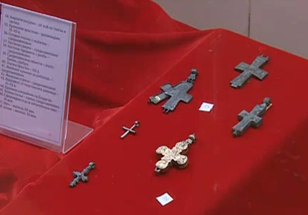 Crosses found on the hill of the Krakra Fortress near Bulgaria's Pernik; it is part of the collection of the Pernik Regional Museum of History. Photo: TV grab from News7