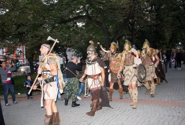 "Barbarians - Ancient Thracians (including Dacians) and Goths - are also represented by reenactors at the Ancient Heritage Festival ""Eagle on the Danube"" in Bulgaria's Svishtov. Photo: Nelly Petrova, EagleontheDanube.org"
