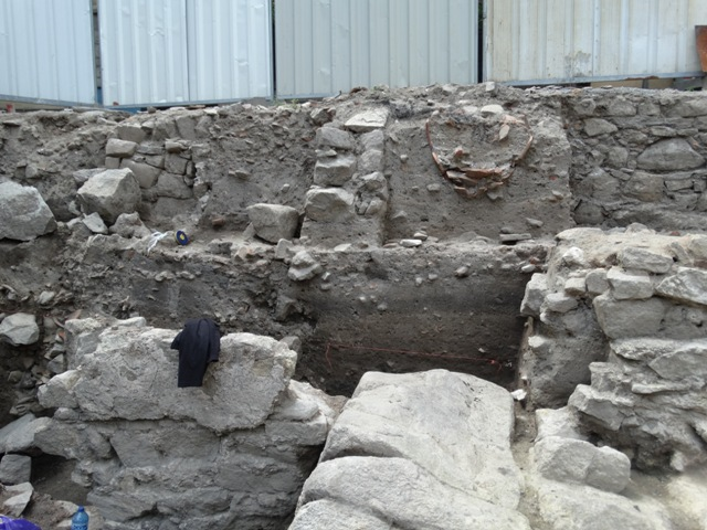 Archaeologist Elena Bozhinova and her team have excavated the plot of a former home in the Old Town of Bulgaria's Plovdiv. Photo: Pod Tepeto