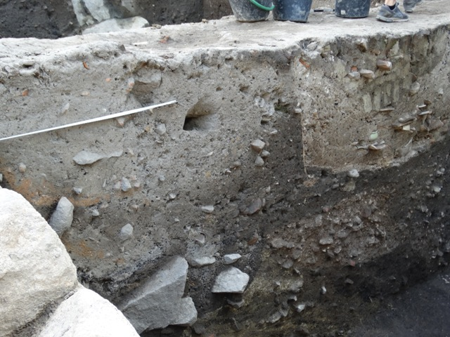 The Antiquity archaeological layers of the former home plot in the Old Town of Bulgaria's Plovdiv by archaeologist Elena Bozhinova have been damaged by the place's inhabitants in the Ottoman period. Photo: Pod Tepeto