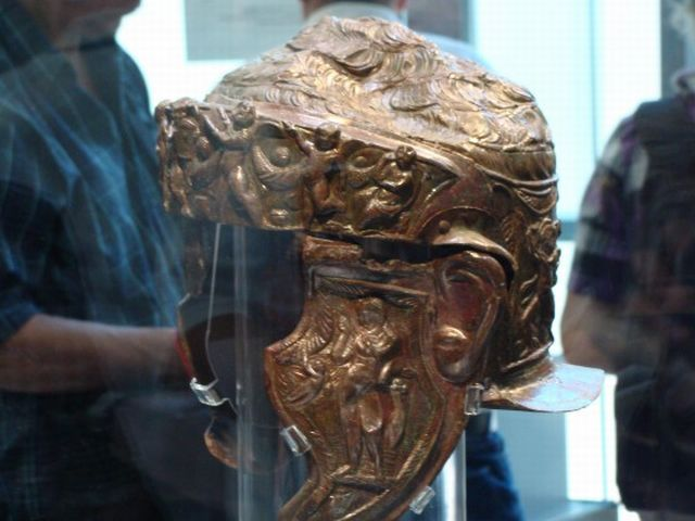 Another view of the left side of the Ancient Thracian aristocrat's helmet found in the Thracian burial mound (tumulus) Pamuk Mogila in Bulgaria's Brestovitsa in 2013. Photo: Plovdiv24
